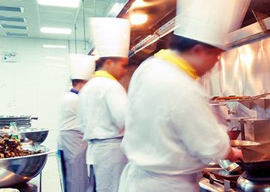 ¿Comida rápida, menú o buffet? El tipo de restaurante determina totalmente el proyecto en la reforma de locales para restauración.