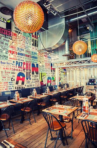 La reforma de locales para restaurantes requiere gran experiencia para elaborar un proyecto enfocado al plan de negocio.