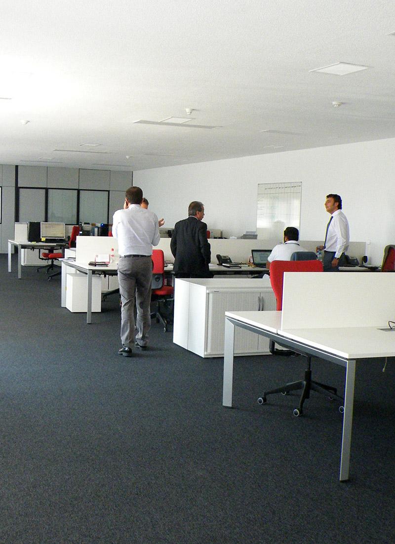 Reforma de oficinas en madrid una nave industrial en for Reformas de oficinas