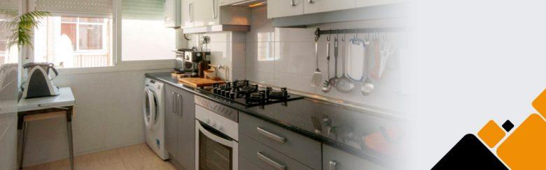Una moderna cocina tras las reforma integral de la vivienda hecha por Kubo.