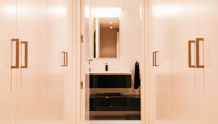 Reformar un piso oscuro 10 ideas para potenciar la for Ideas para decorar la entrada de un piso