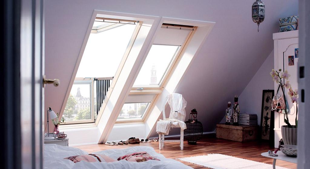Reformas de casas con aprovechamiento de la buhardilla en viviendas unifamiliares mediante aislamiento e instalación de ventanas Velux.