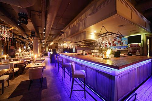 El proyecto de iluminación en las reformas de locales -por ejemplo, bares y restaurantes- debe servir para diferenciar zonas, atraer al consumidor y permitir trabajar en buenas condiciones.